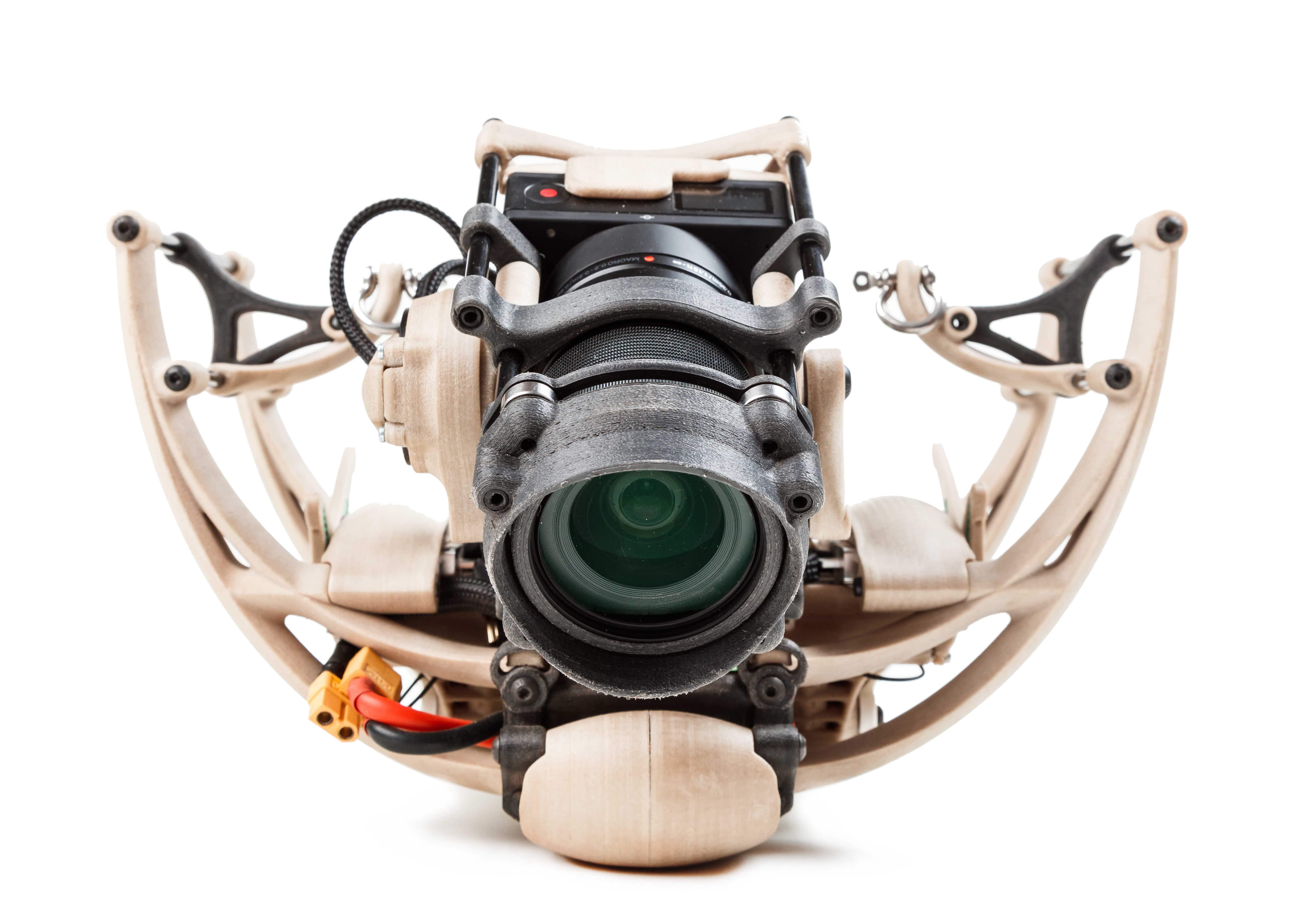 vue de face du drone avec le châssis, la propulsion électrique, les actionnaires pour le pilotage et la gestion embarqué