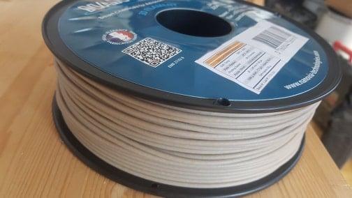 Rouleau de fil en matière plastique 100% biodégradable